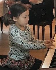 Peut-être une future virtuose... Déjà beaucoup de talent...